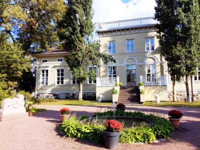 Upea kartano ja hotelli Villa Emma Nakkilassa!