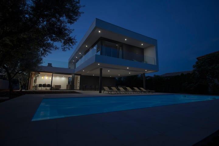 N&T Design Villa **** Brand new! Opening July 2019