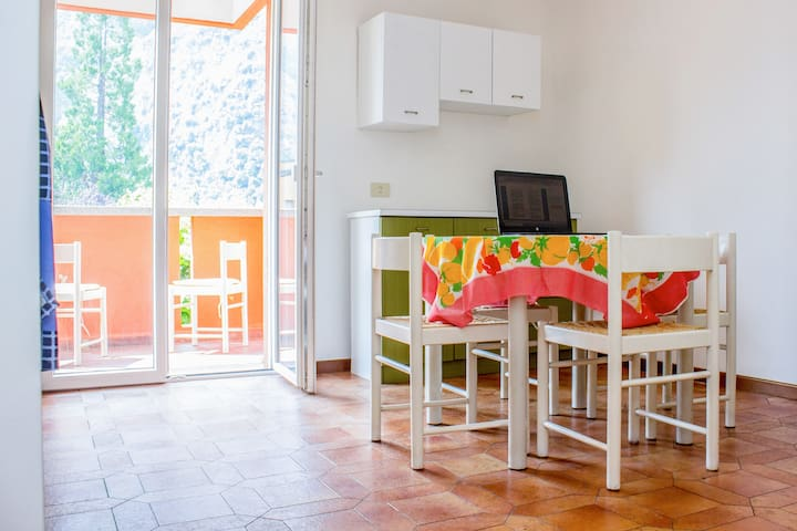 2 room apartment with Wi-Fi in Porlezza