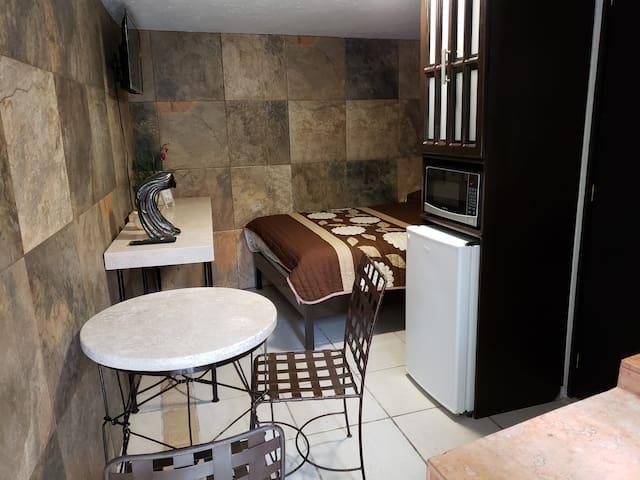 Cómoda habitación con cocineta y bonitos acabados