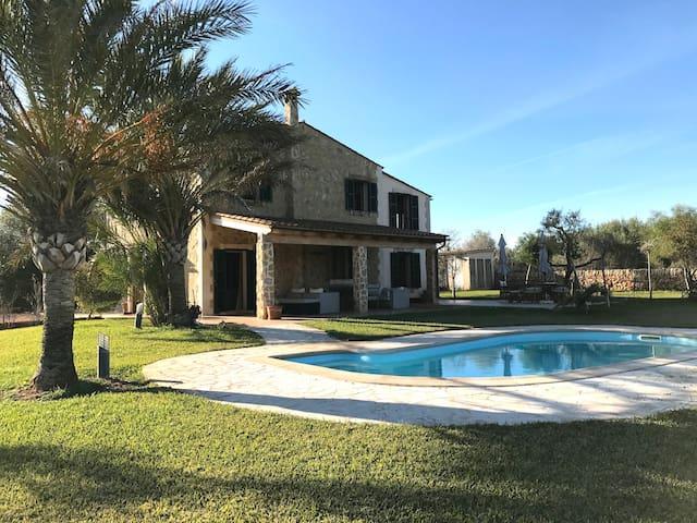 Relax and Nature in a Charming Villa in Santanyí - Santanyí - Villa