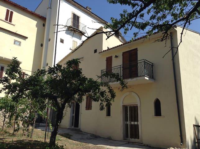 Casa vacanze da Medardo - Gagliano Aterno - Rumah