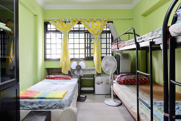 Home-stay with a typical Singaporean family
