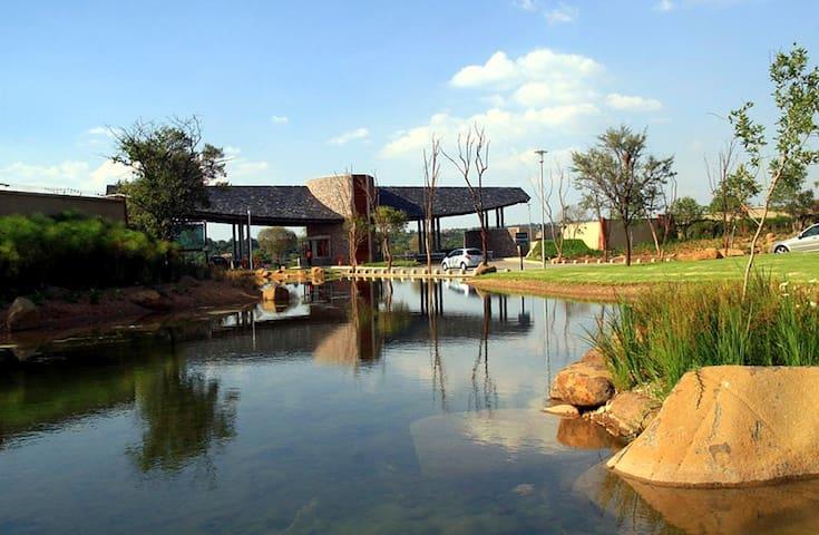 Waterfall Estate, Kyalami - Blue Studio