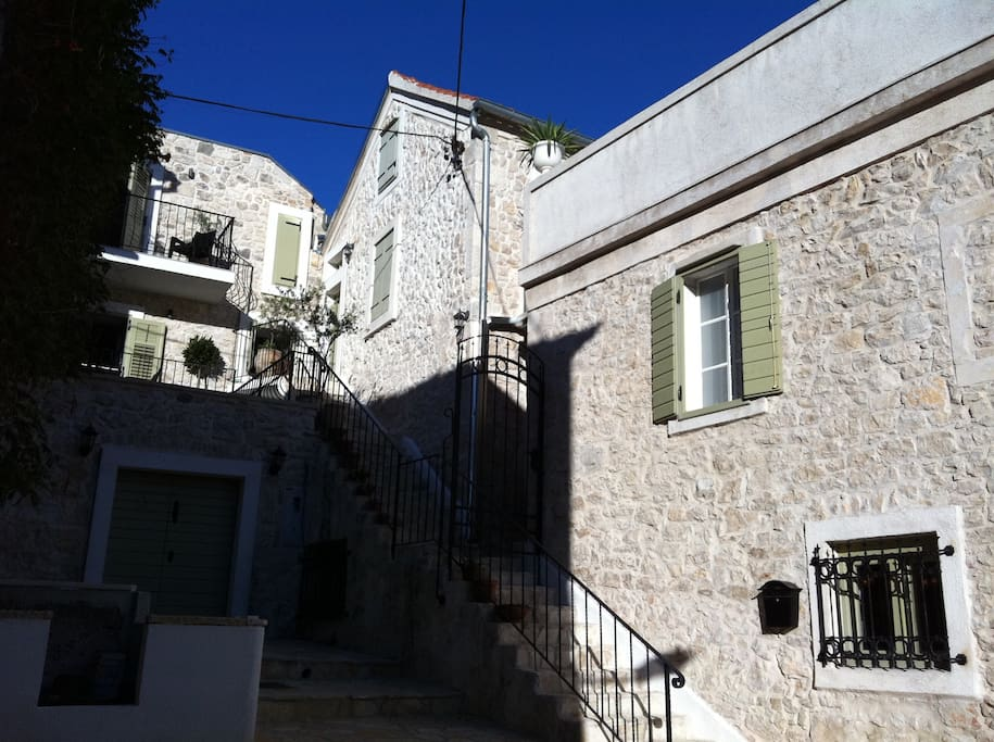 The Stone House - another 2 bedroom house next door can be hired to accommodate groups of 12.
