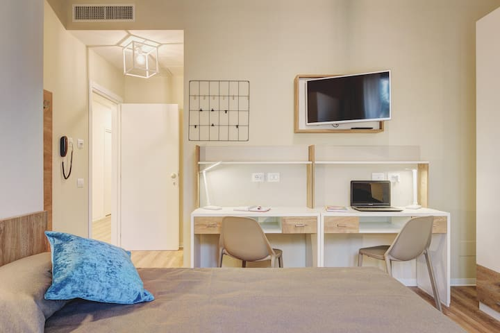 Student Accommodation - Seneca Room