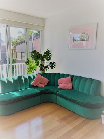 Bright and Sunny room in Enmore