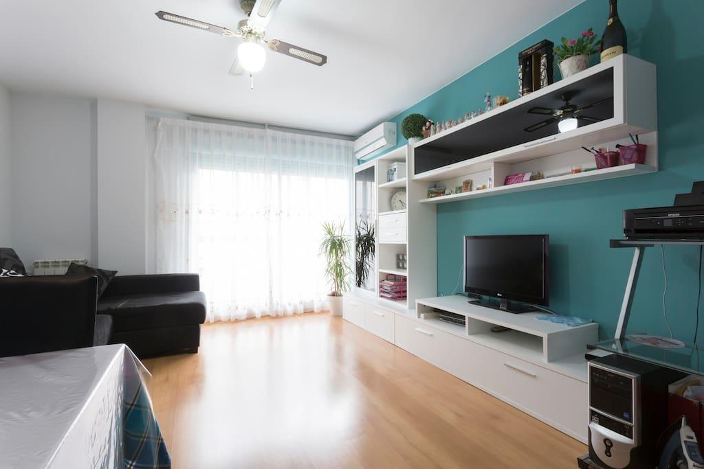 Zaragoza habitaci n privada 1 cama 2 hu spedesa 2 39 de z for Habitacion familiar en zaragoza