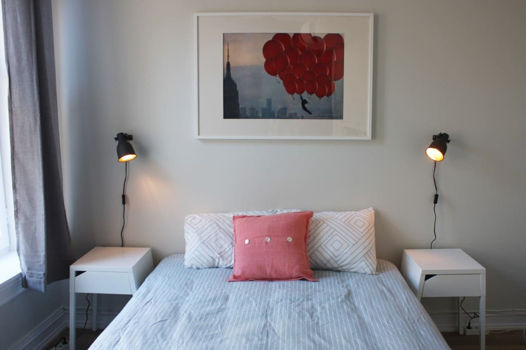 Bright and cozy room (12m2) with 140 cm comfortable bed.