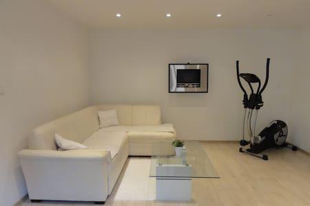 Modern home in the city center - Apartamento