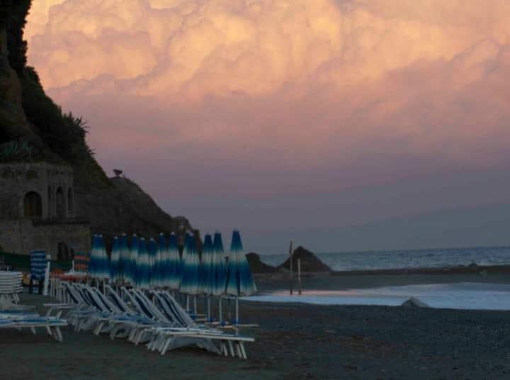 Albissola Marina, luogo di arte, sole, mare e golf
