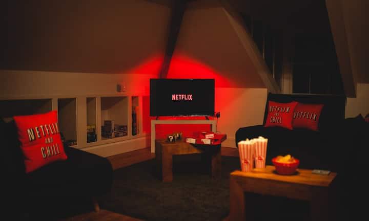 *NEW* Games Lounge City Centre Loft Apartment