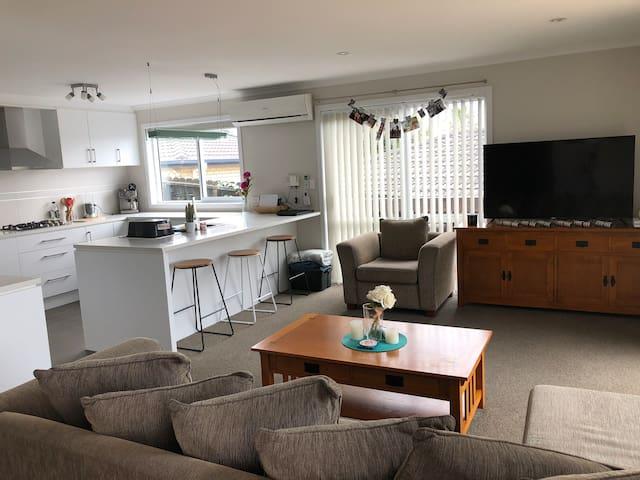 Comfortable 1 bedroom near to Aucklands CBD.