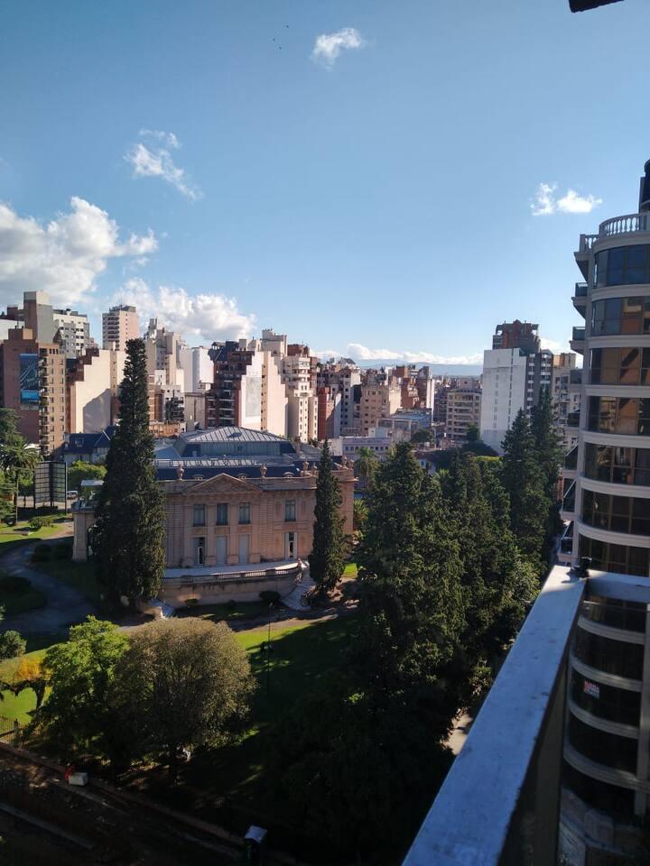 Ambiente nuevo, con balcón, pleno nueva córdoba