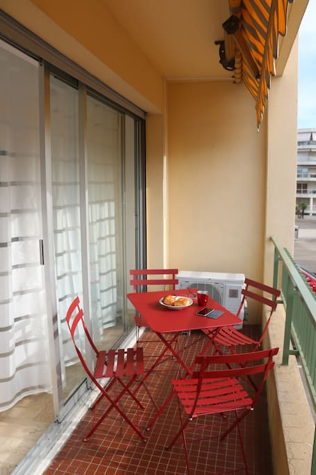 Terrasse idéale pour prendre l'air, se relaxer, prendre un verre,...