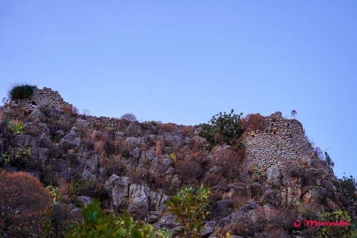 θέα κάστρου από δίκλινο δωμάτιο