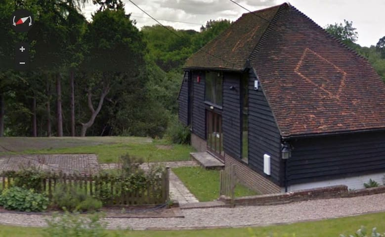 Detached converted Barn in Sussex