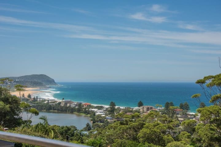 The Beach House Terrigal - Amazing Ocean Views!