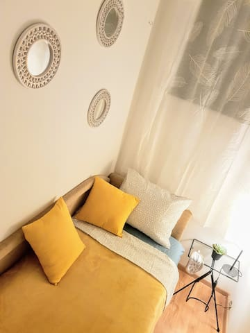 extra bedroom for one person:)