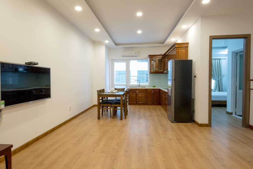 Cozy house, cozy light system Nice quality of wooden floor!