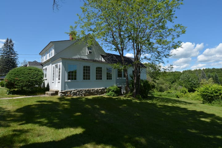 Wolfeboro farmhouse