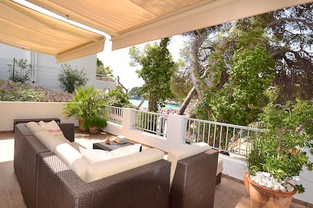"Bungalow "" luxe"" in Cala Gran First line sea/beach"