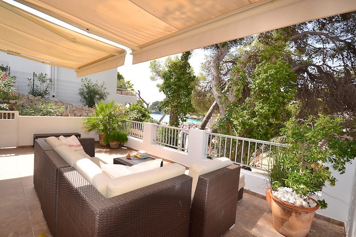 """Bungalow """" luxe"""" in Cala Gran First line sea/beach"""