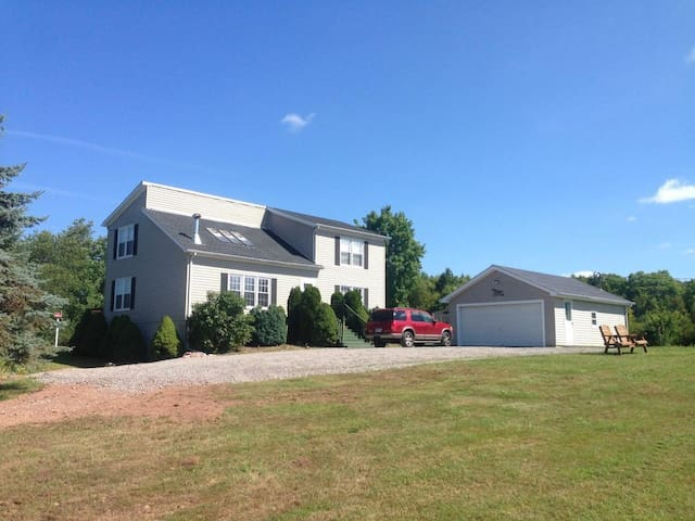 Ski Windham House Family & Pet Friendly Great View