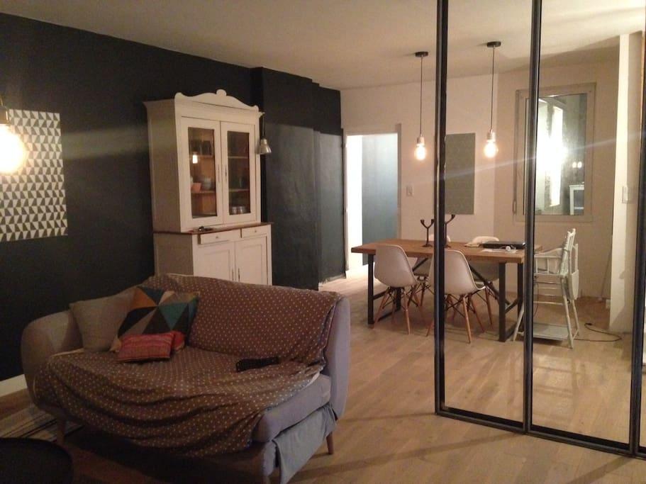 Chambre 14 m2 avec lit double maisons de ville louer for Prix m2 le mans
