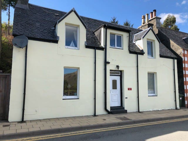 Brightwater Cottage-Portree