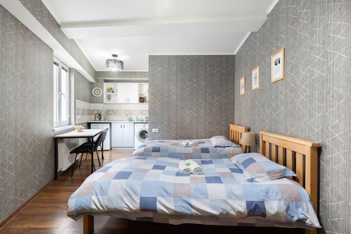 Hermione's budget apartment on Mazniashvili 15