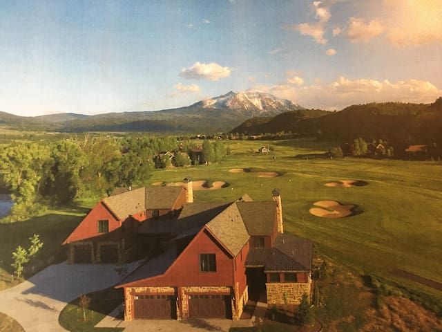 Incredible Views from Modern Golf Course Home