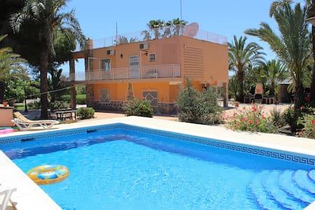 Glorious Simmons Raffo Villa with private pool - Alicante - Villa