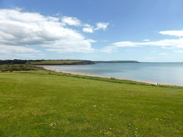 Beach View (W32411)