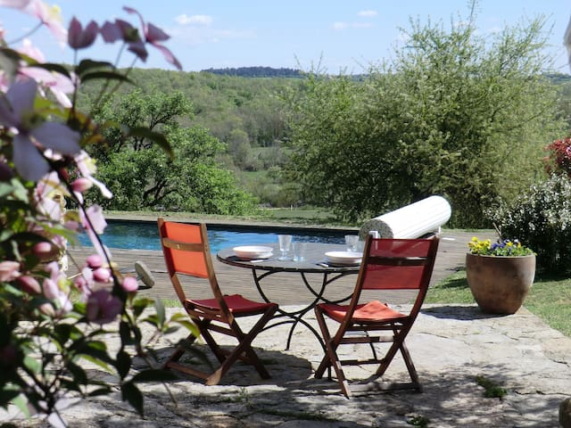 Cottage with panoramic views - Puyjourdes - Hus