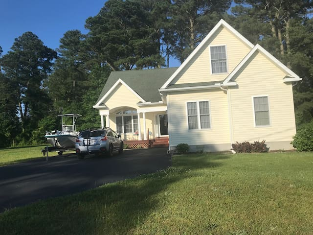 Cozy Updated Home near Chincoteague  in the Cove