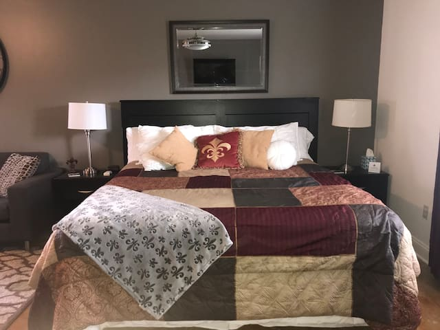 NOLA Cozy Suite - Long term guest, monthly rental