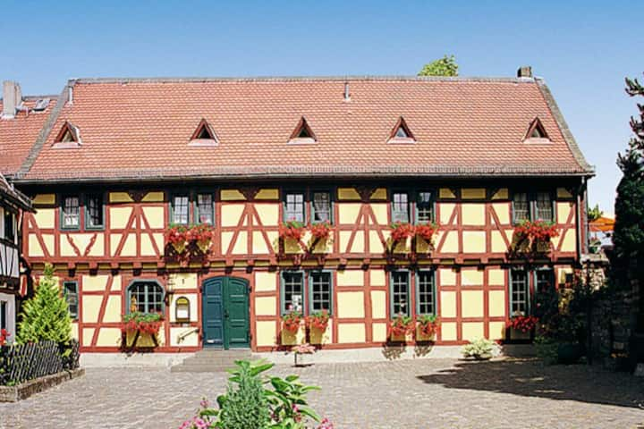 Weinstube Gelbes Haus - Sonnenberg