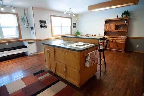 Blaeberry Valley Apartments & Guest House