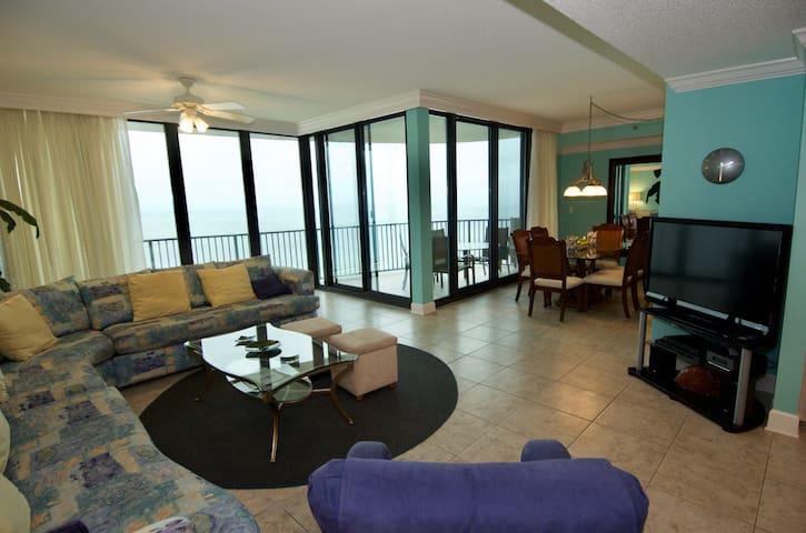 Living-Dining Area Overlooking Gulf