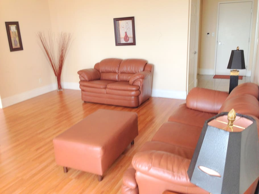 2 Bedroom Apartment In Mississauga Apartments For Rent