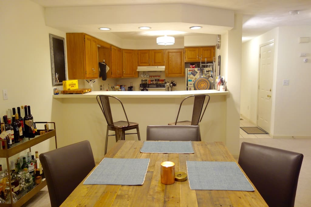 Dining room, bar, kitchen area