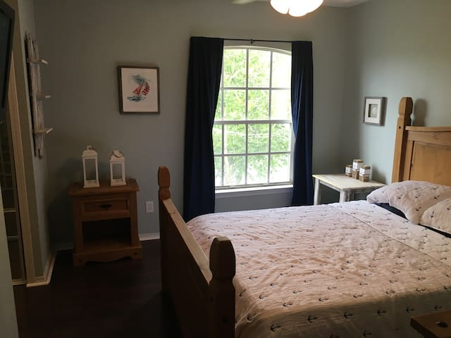 Unwind In A Coastal Guest Bedroom!