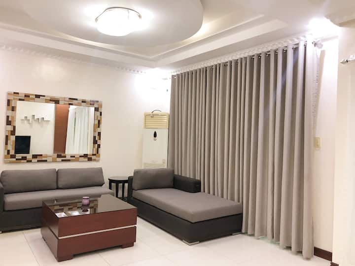 3 Spacious Bedroom in Best Ville Condo