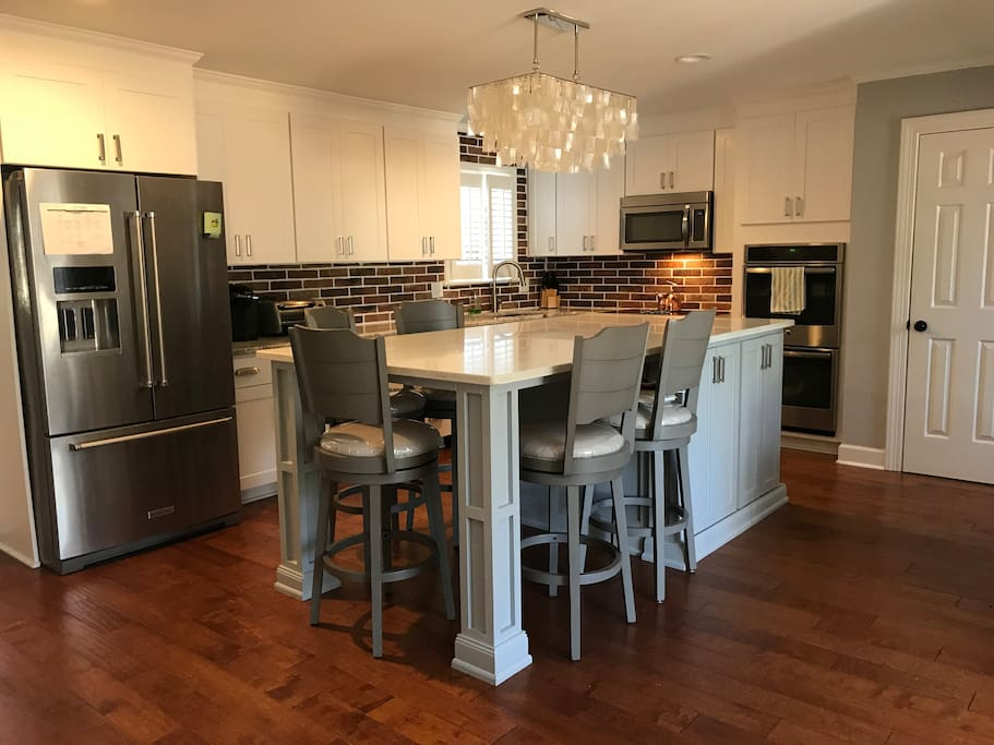 newly updated kitchen, double oven, Keurig, large island that seats 5