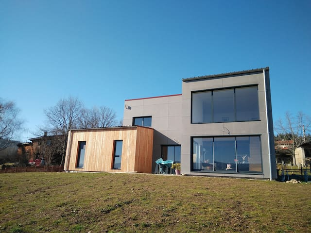 Maison contemporaine au calme - Ambert - House