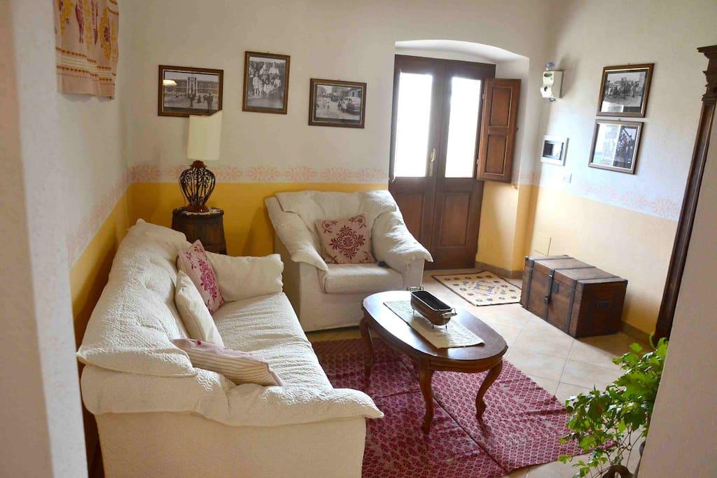 Casa indipendente con giardino case in affitto a milis - Casa con giardino milano ...