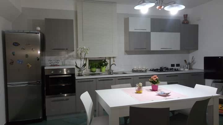 Appartamento arredato ad Alcamo.