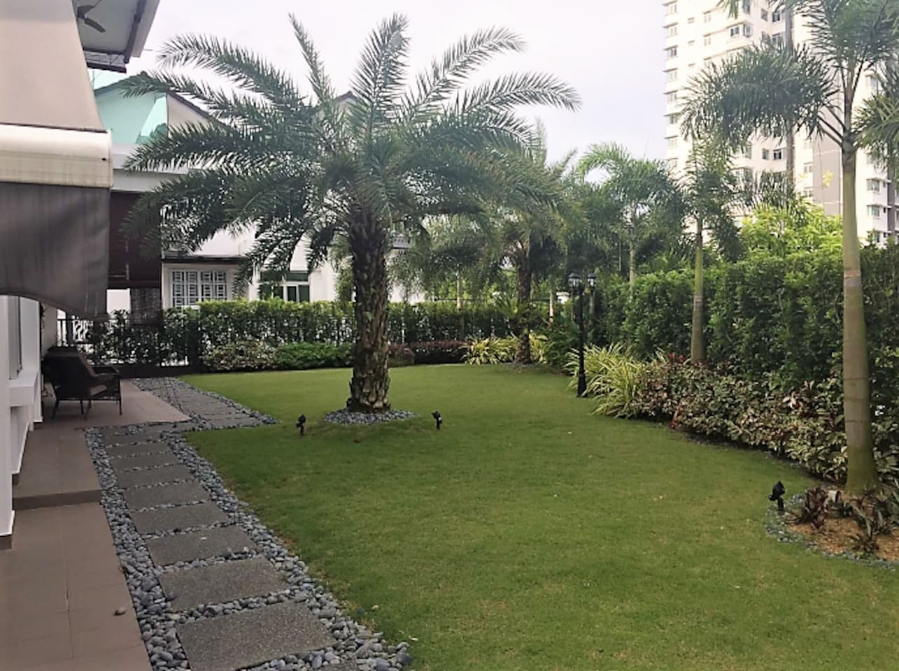 Large garden suitable for small party or events.