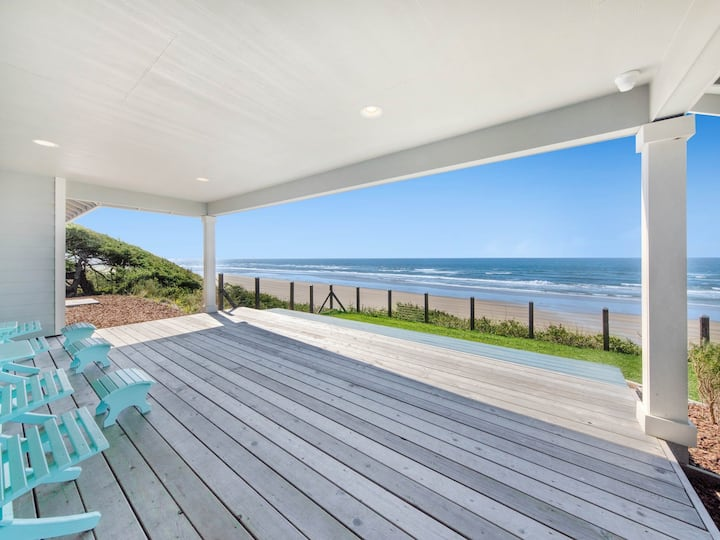 Family-friendly oceanfront house with amazing views!